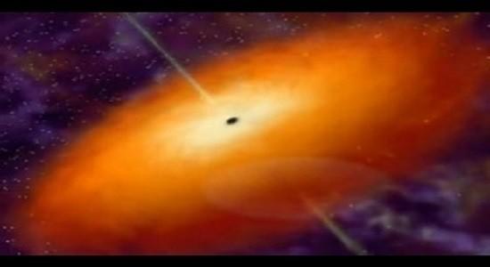 Черная дыра в центре газового облака